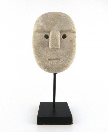 Sumba masker op standaard lichtgrijs