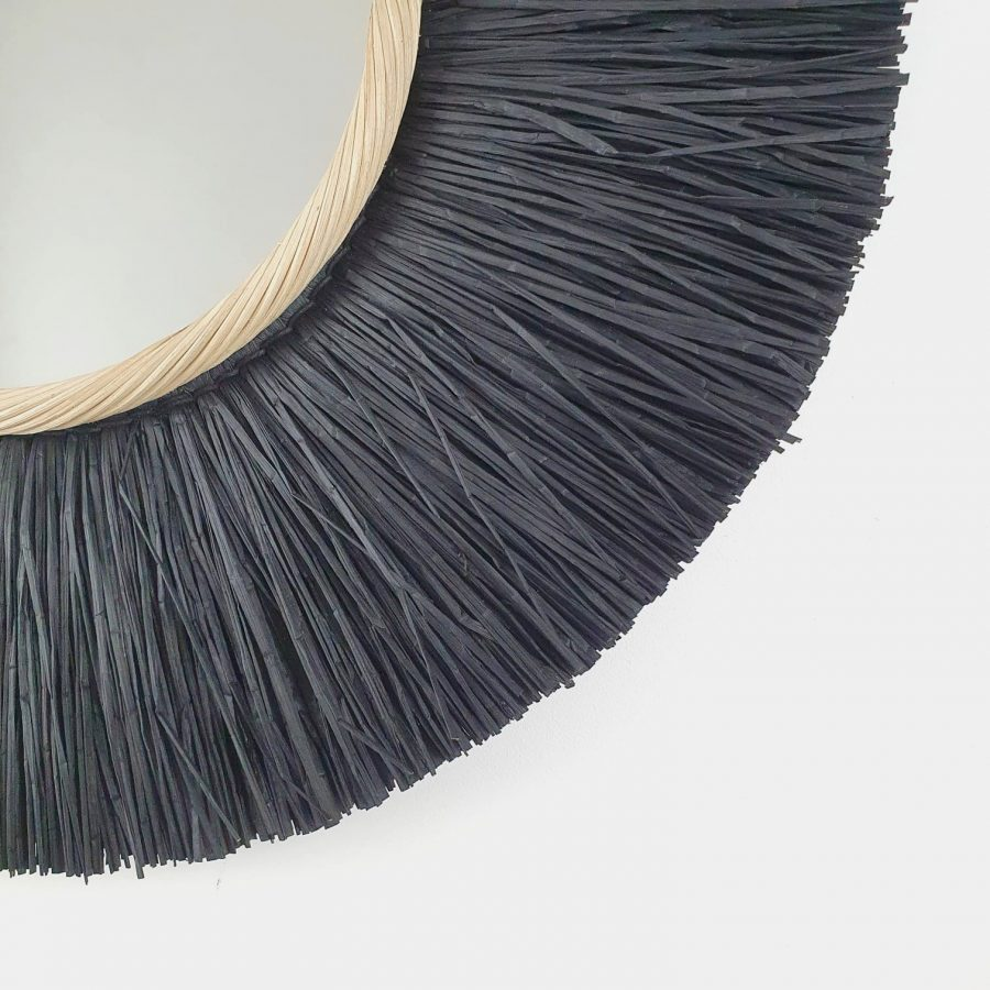 Spiegel raffia zwart bali close up