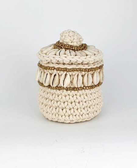 The shell basket treasure schelpenmandje