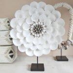 Schelpenketting op standaard bloemvorm bali decoratie