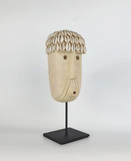 Papua masker op standaard gaby sumba bali 1