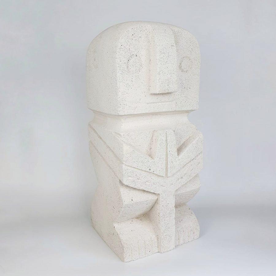 The islander - tuinbeeld stone man sumba bali 3