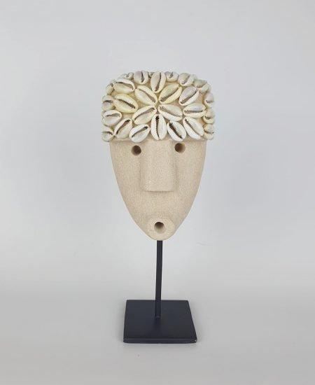 Papua masker op standaard Nicky sumba stone Bali 1